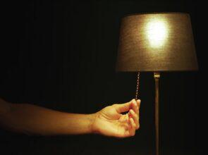 Descubre la manera de ahorrar energía eléctrica en vacaciones